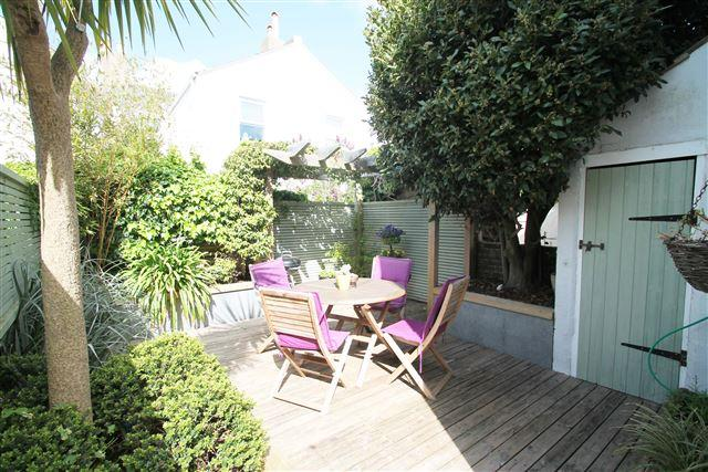 3 Bedrooms Terraced House for sale in Ruskin Road, Hove