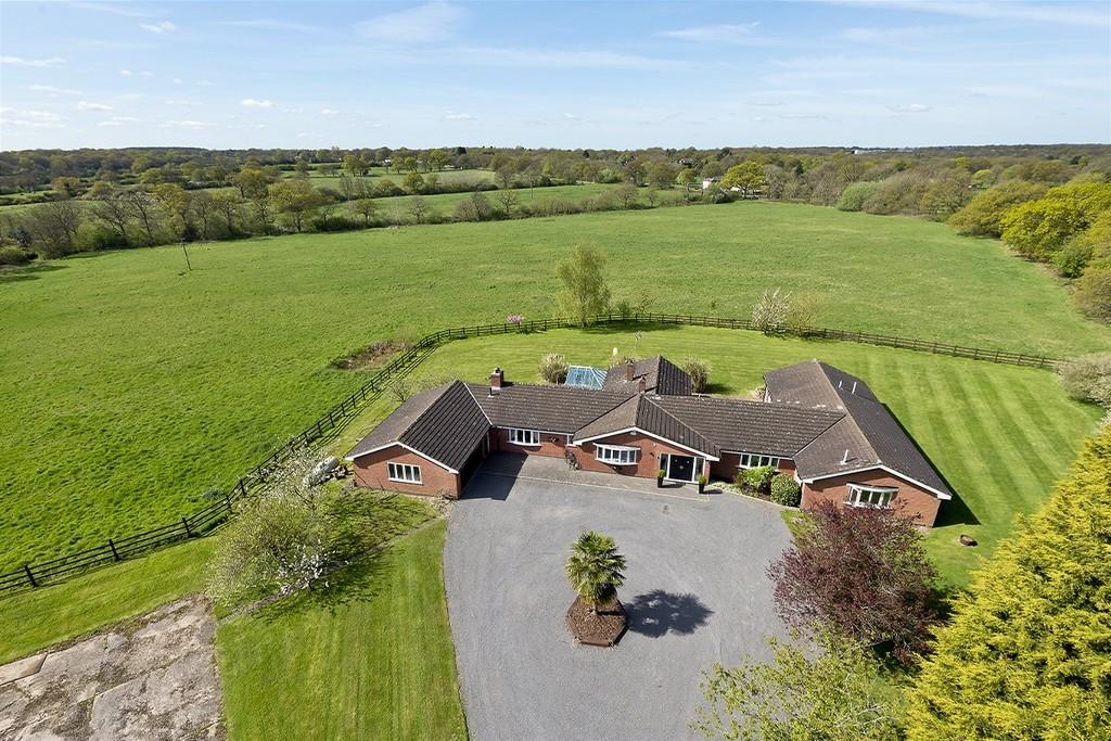 5 Bedrooms Farm House Character Property for sale in Vicarage Hill, Tanworth In Arden