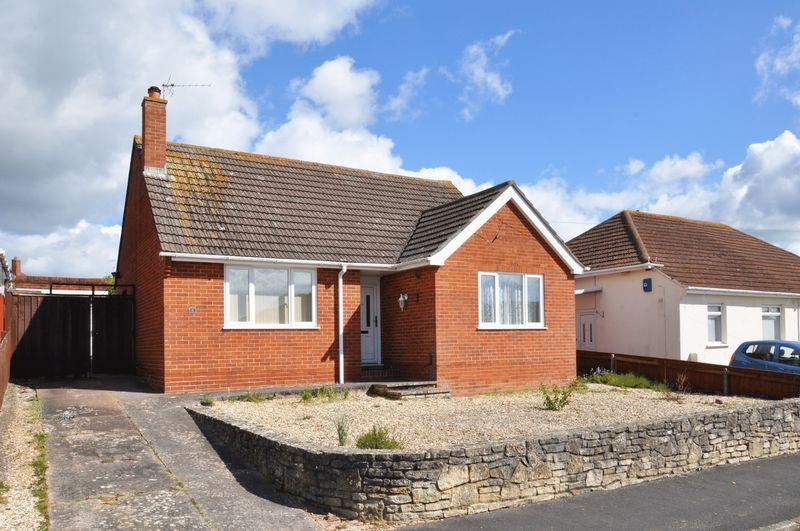 2 Bedrooms Detached Bungalow for sale in Beacon Heath