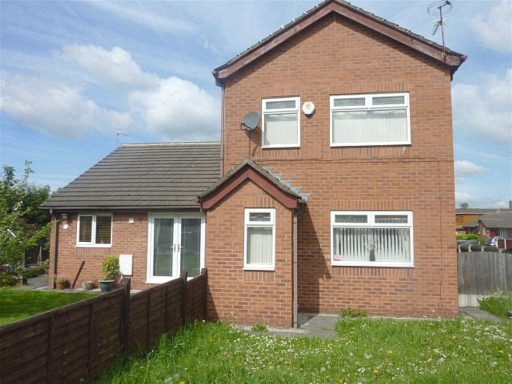 3 Bedrooms Semi Detached House for sale in Ravenside Park, Chadderton, OLDHAM, Lancashire, OL9
