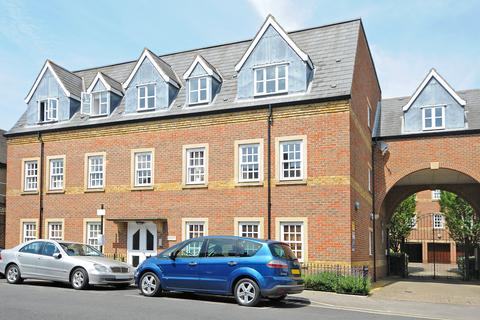 2 bedroom flat to rent - Castle Mews, St Thomas Street, Oxford