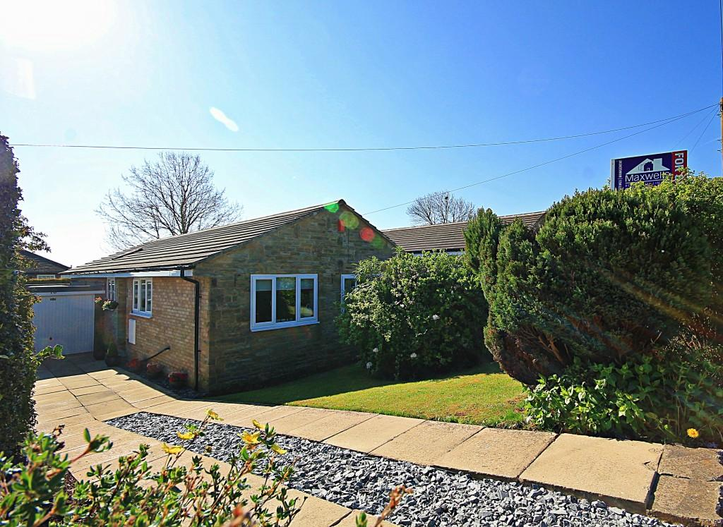 4 Bedrooms Bungalow for sale in Rowantree Avenue, Baildon