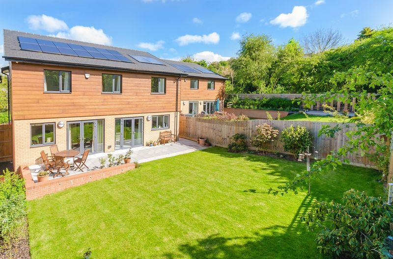 4 Bedrooms Detached House for sale in Eco House: 46 Albion Close, Lincoln