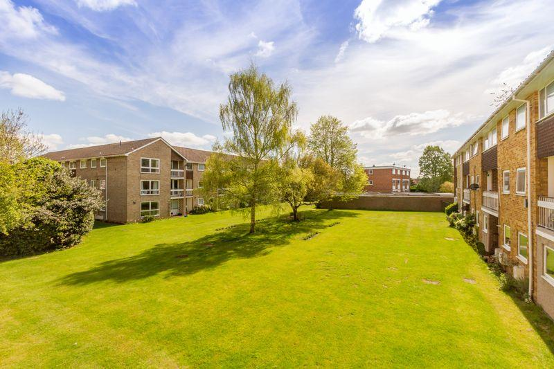 2 Bedrooms Apartment Flat for sale in Wykeham Crescent, Oxford