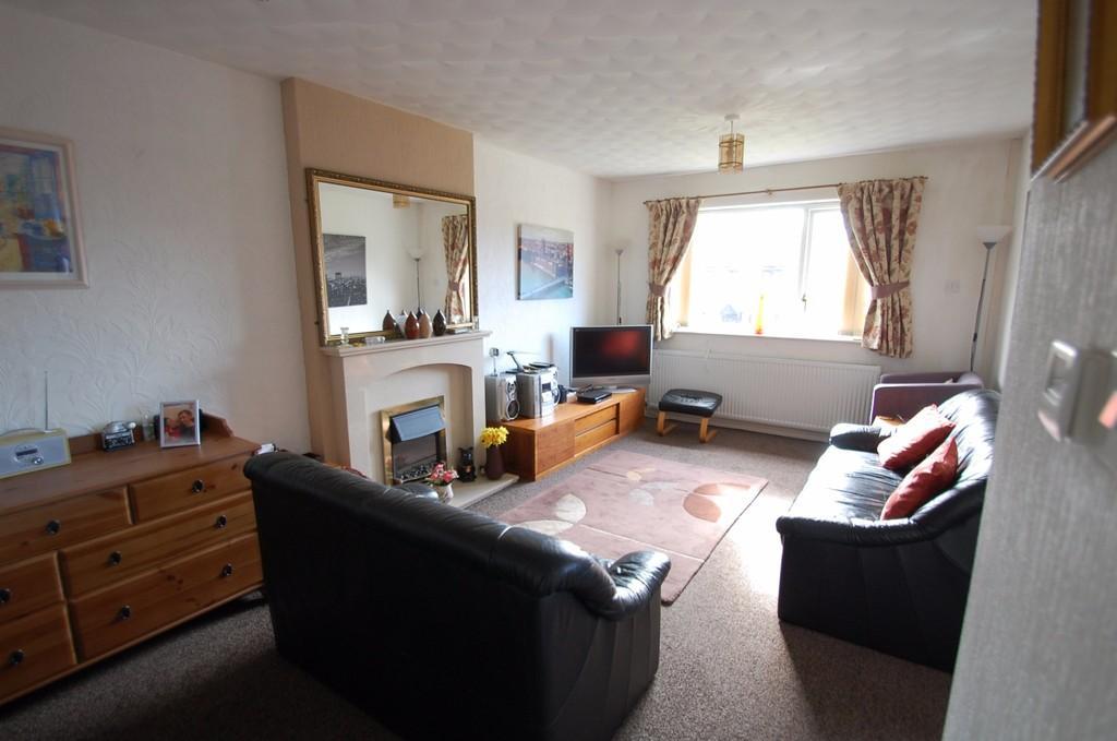 2 Bedrooms Bungalow for sale in St. Oswalds Close, Knuzden, Blackburn