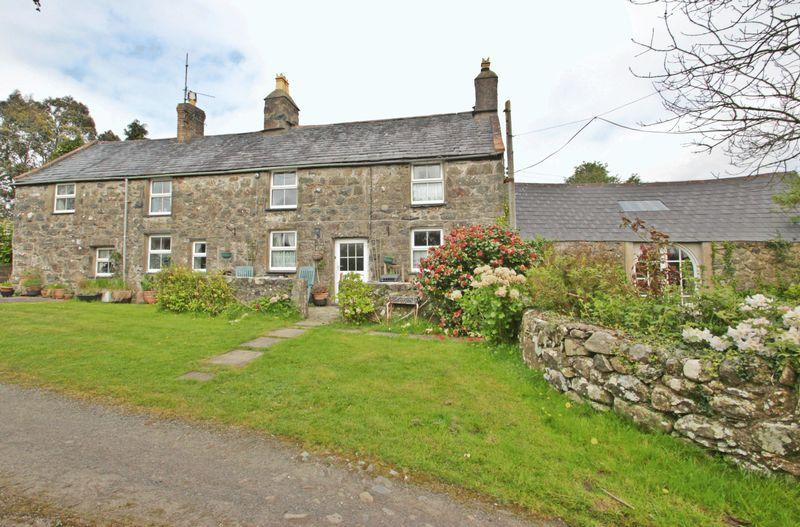 4 Bedrooms Farm House Character Property for sale in Chwilog, Gwynedd