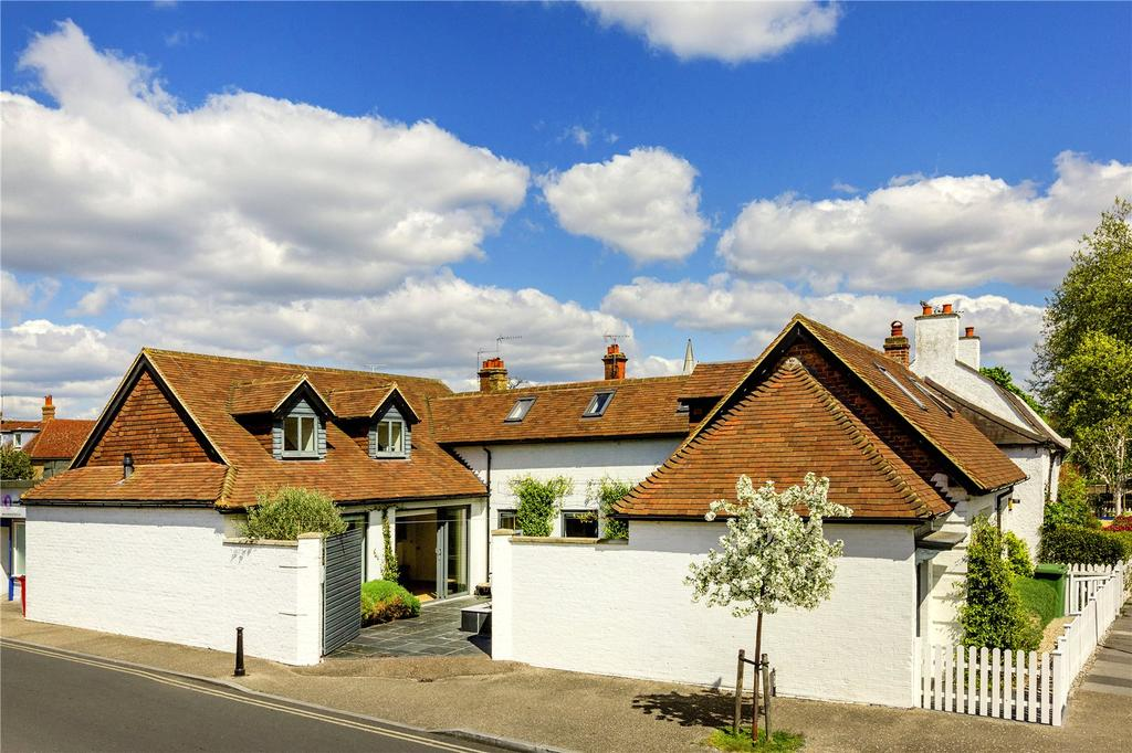 4 Bedrooms Detached House for sale in Lock Road, Richmond, Surrey, TW10