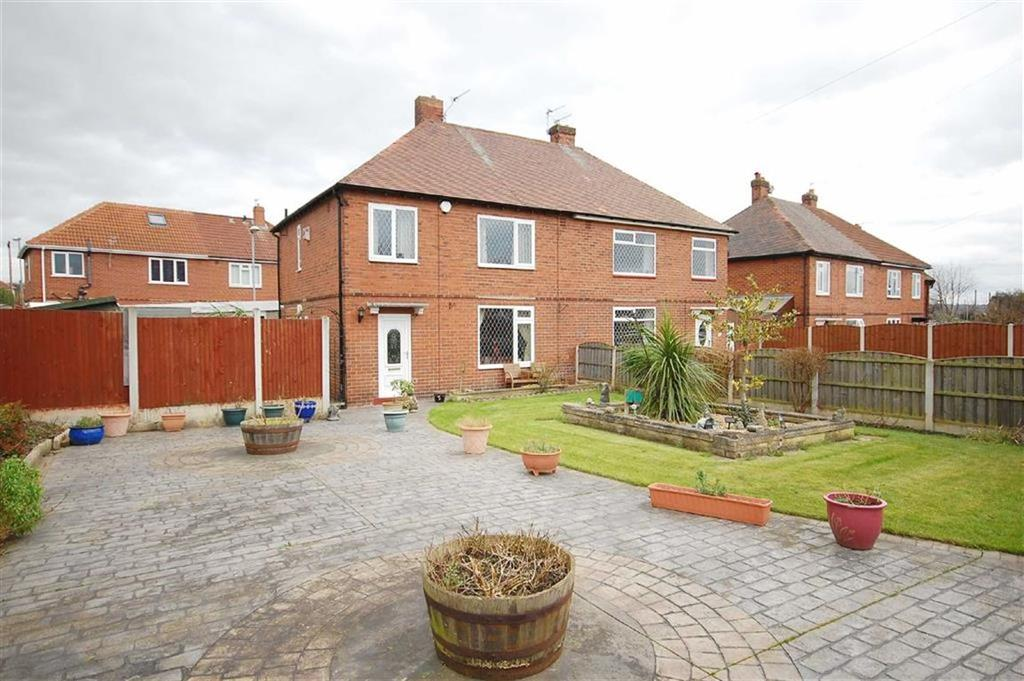 3 Bedrooms Semi Detached House for sale in Leeds Road, Allerton Bywater, Castleford, WF10