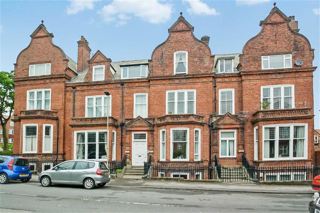 3 Bedrooms Flat for sale in Granville Road, Scarborough, North Yorkshire, YO11