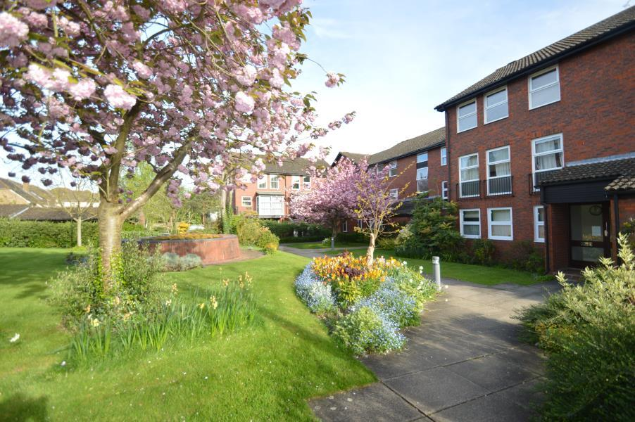 2 Bedrooms Apartment Flat for sale in Fountain Gardens, Windsor