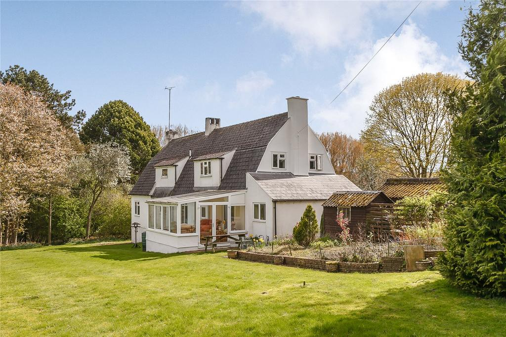 5 Bedrooms Detached House for sale in Perrotts Brook, Cirencester, Gloucestershire