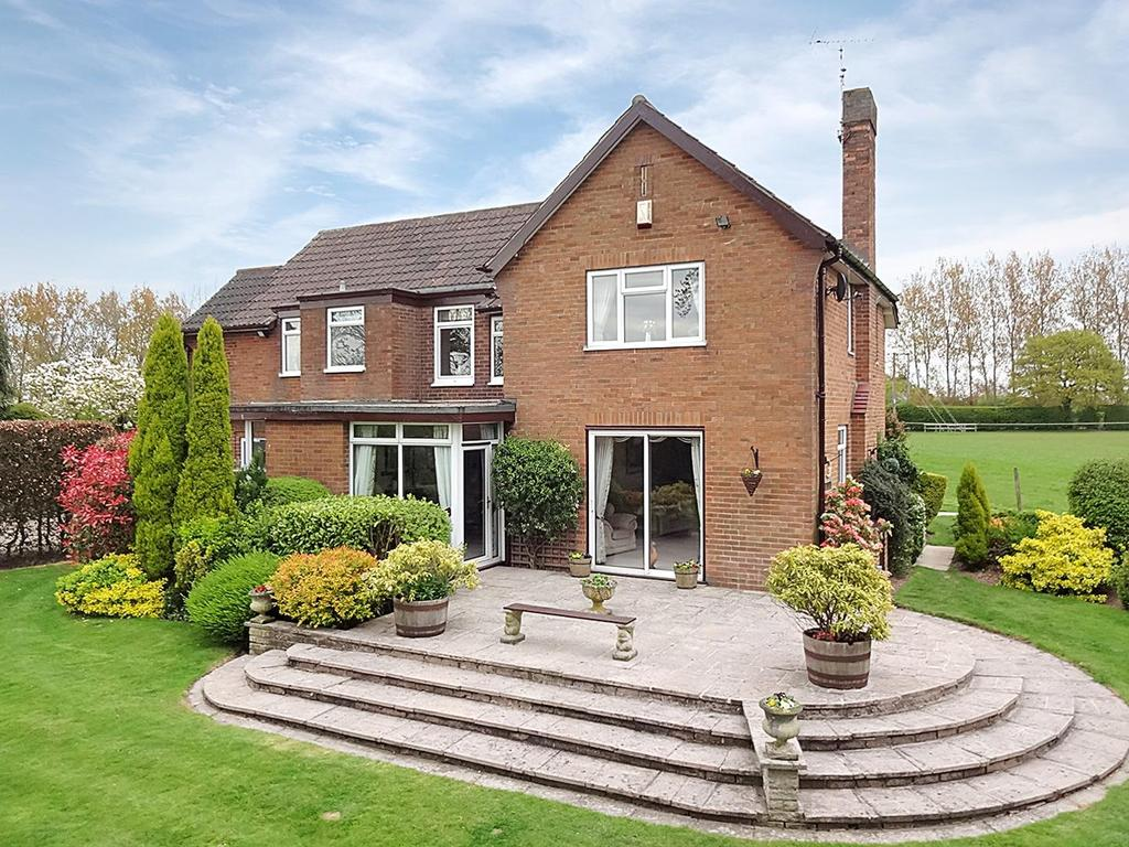 4 Bedrooms Detached House for sale in Oxton Hill, Southwell