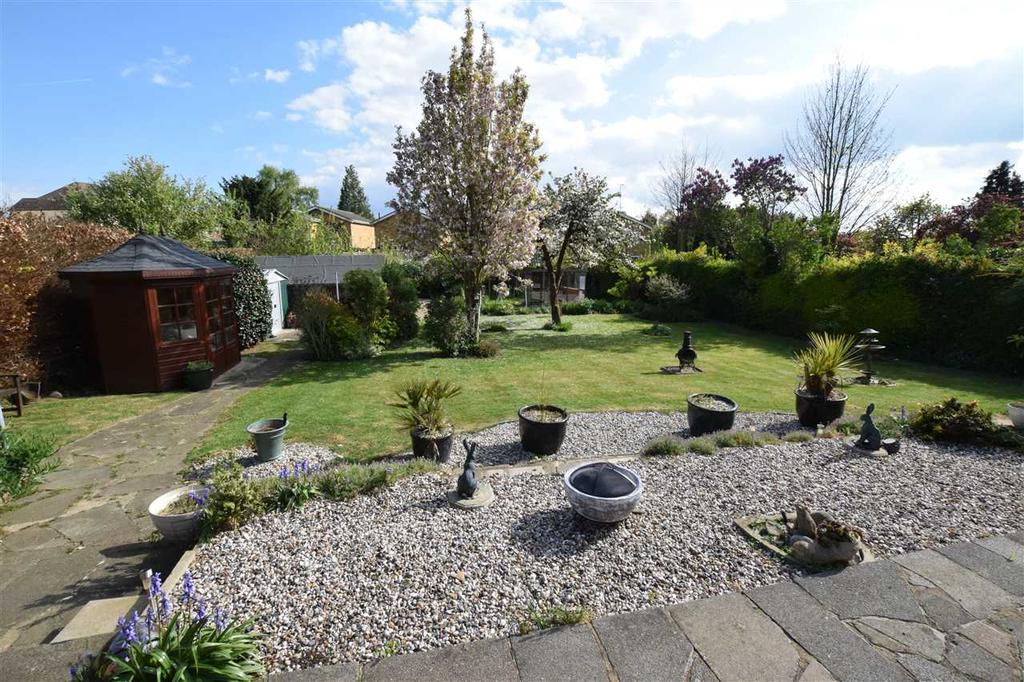 4 Bedrooms Detached House for sale in Pines Road, Chelmsford