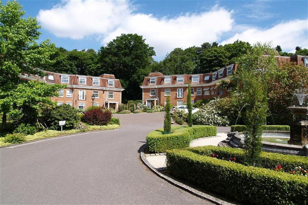 2 Bedrooms Flat for sale in Hindhead Road, Haslemere, Surrey, GU27