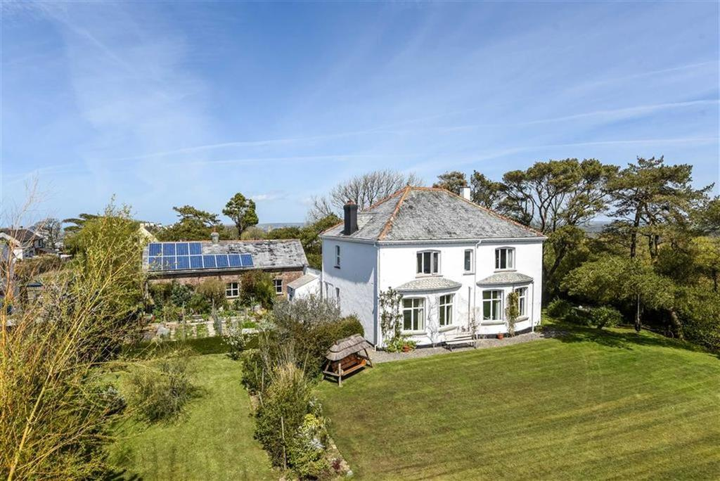5 Bedrooms Detached House for sale in Week St Mary, Holsworthy, Devon, EX22