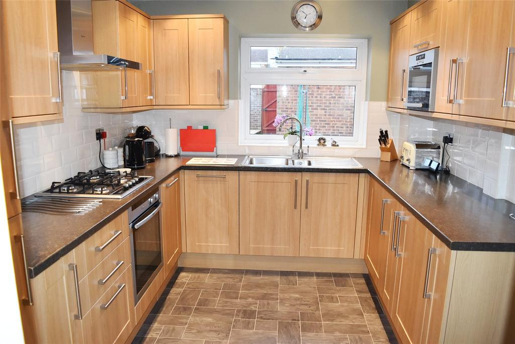3 Bedrooms Detached House for sale in Cetus Crescent, Leighton Buzzard