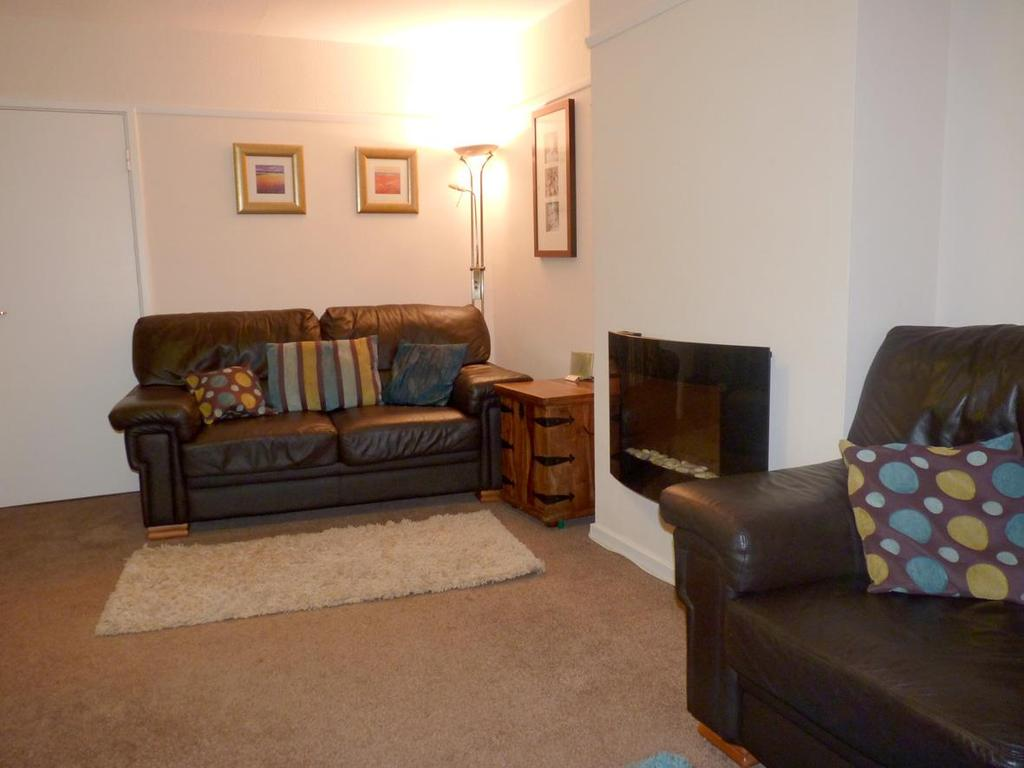 Kirkstone road harrogate 3 bed house 895 pcm 207 pw for L shaped living dining room