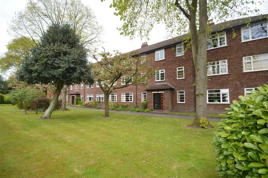 2 Bedrooms Flat for sale in Norfolk House, Northenden Road, SALE, Cheshire