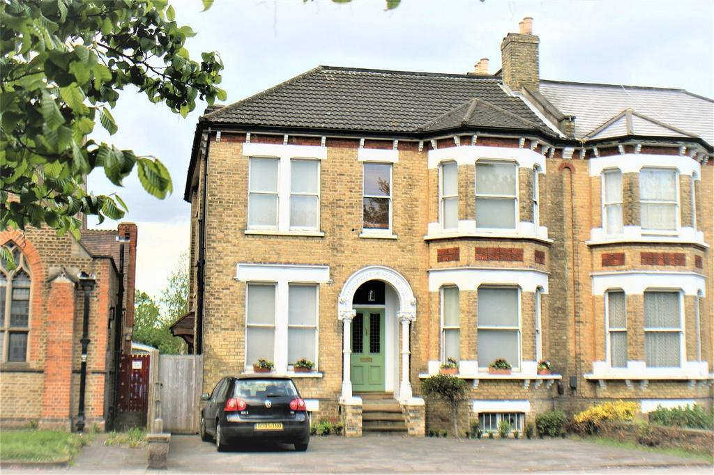 6 Bedrooms Semi Detached House for sale in Beckenham Road, Beckenham