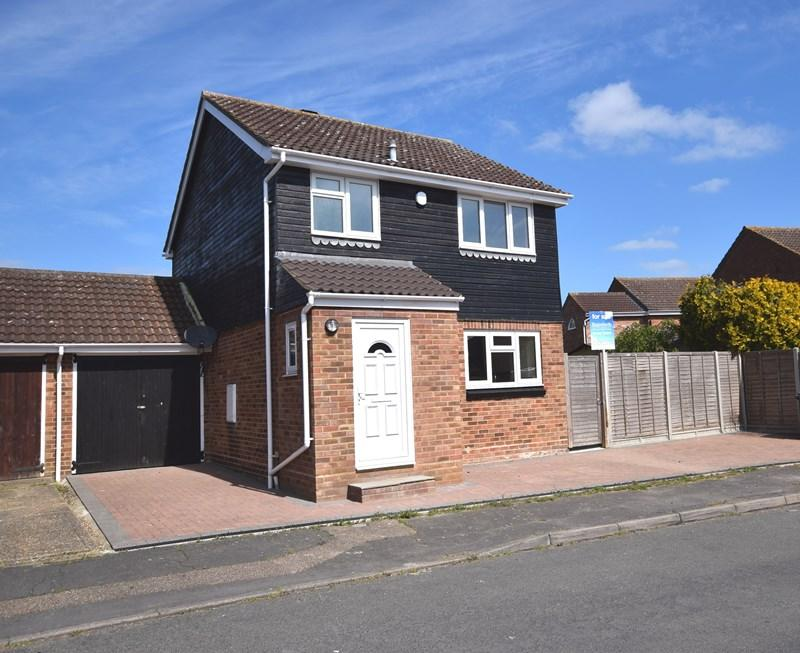 3 Bedrooms Link Detached House for sale in Shetland Road, Haverhill