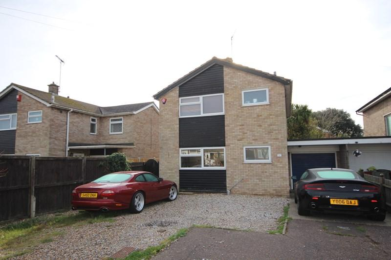 3 Bedrooms Detached House for sale in Norman Close, St Osyth
