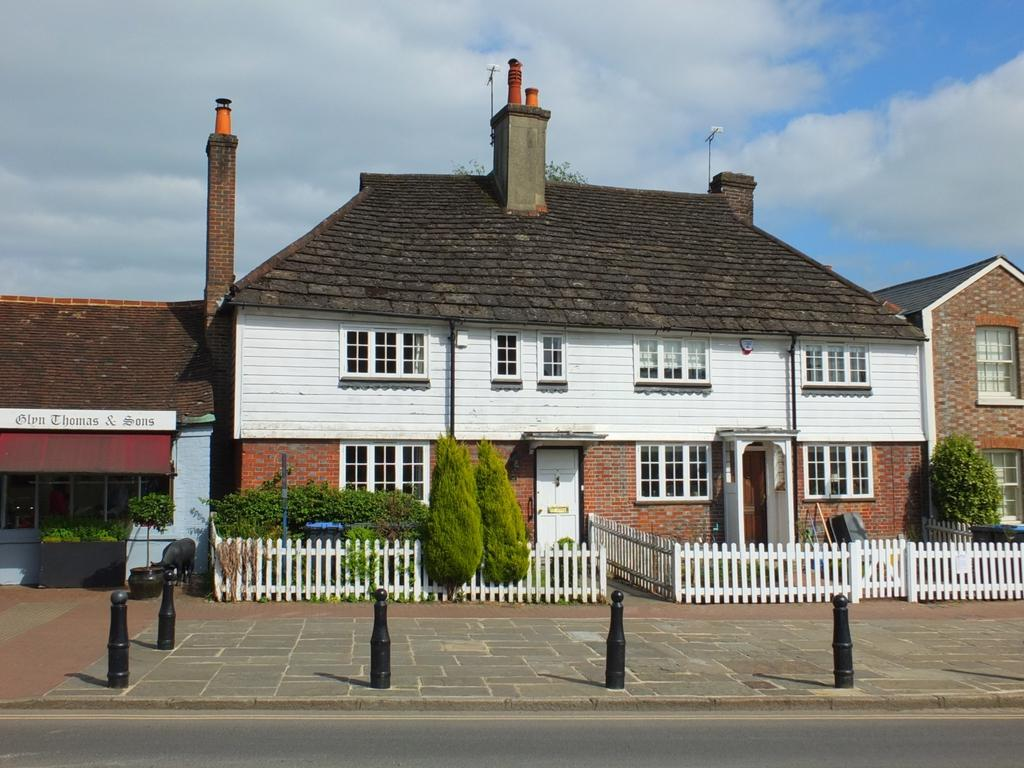 3 Bedrooms House for sale in High Street, Lindfield, RH16