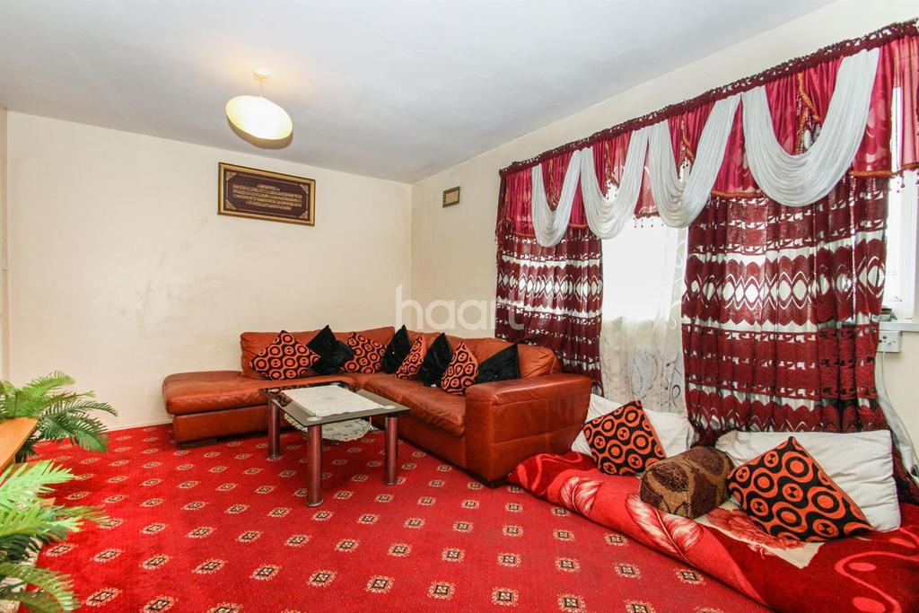 2 Bedrooms Flat for sale in Southall