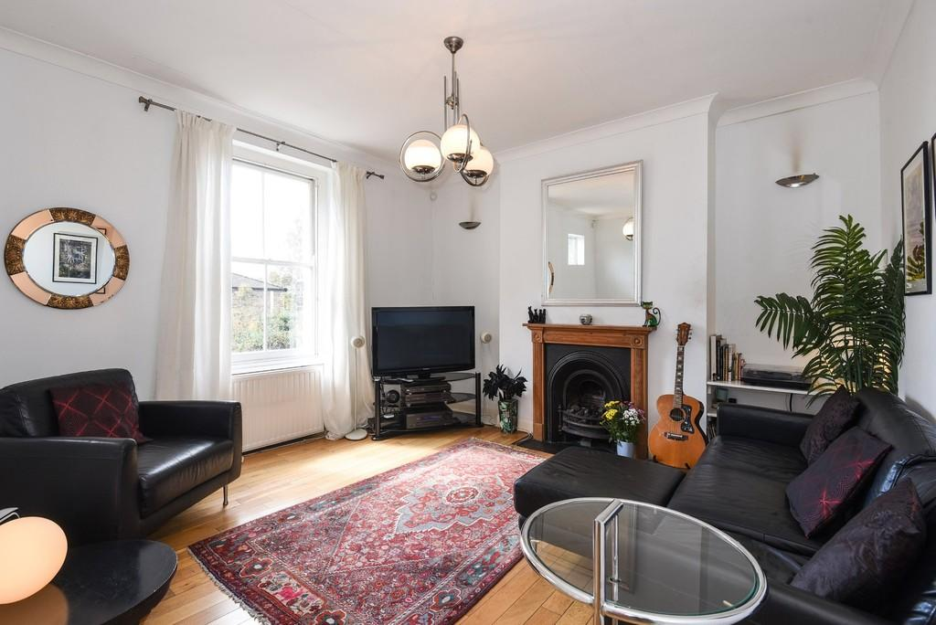 2 Bedrooms Apartment Flat for sale in Holloway Road, Upper Holloway