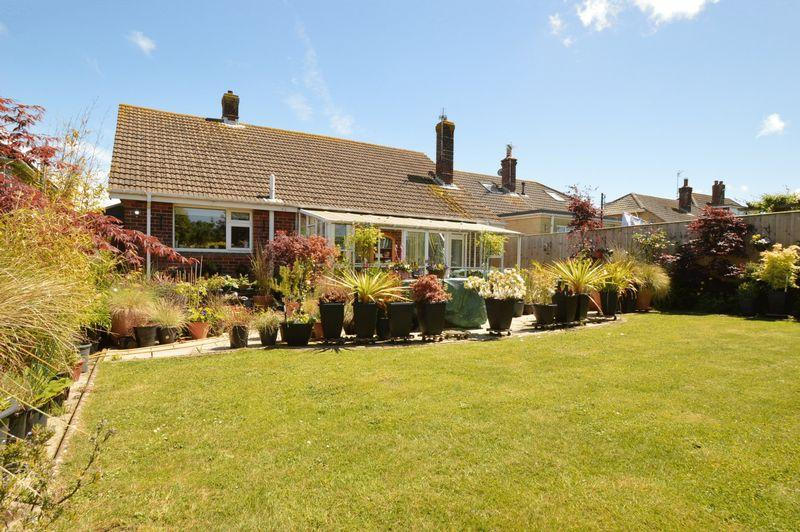 2 Bedrooms Detached Bungalow for sale in GODSHILL