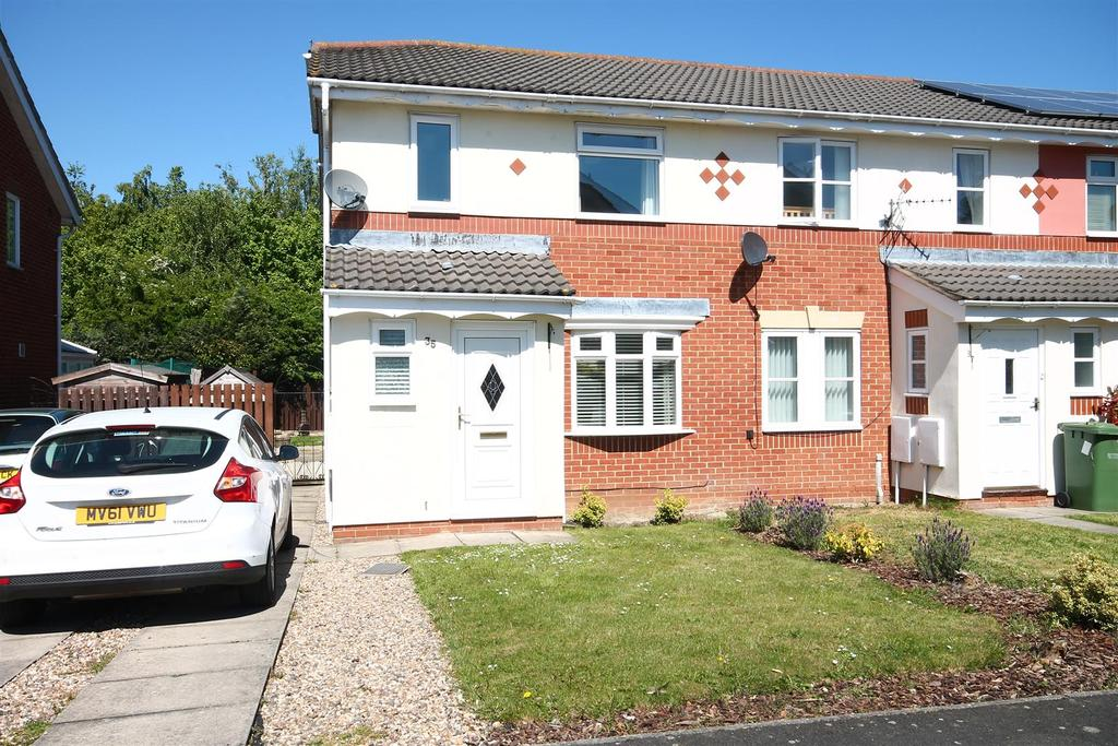 3 Bedrooms Semi Detached House for sale in Thirlwall Drive, Ingleby Barwick, Stockton-On-Tees
