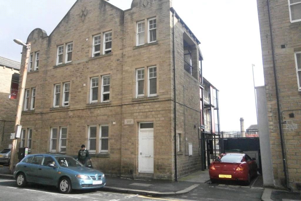 Lancaster house kirkgate town centre huddersfield hd1 for Beds huddersfield