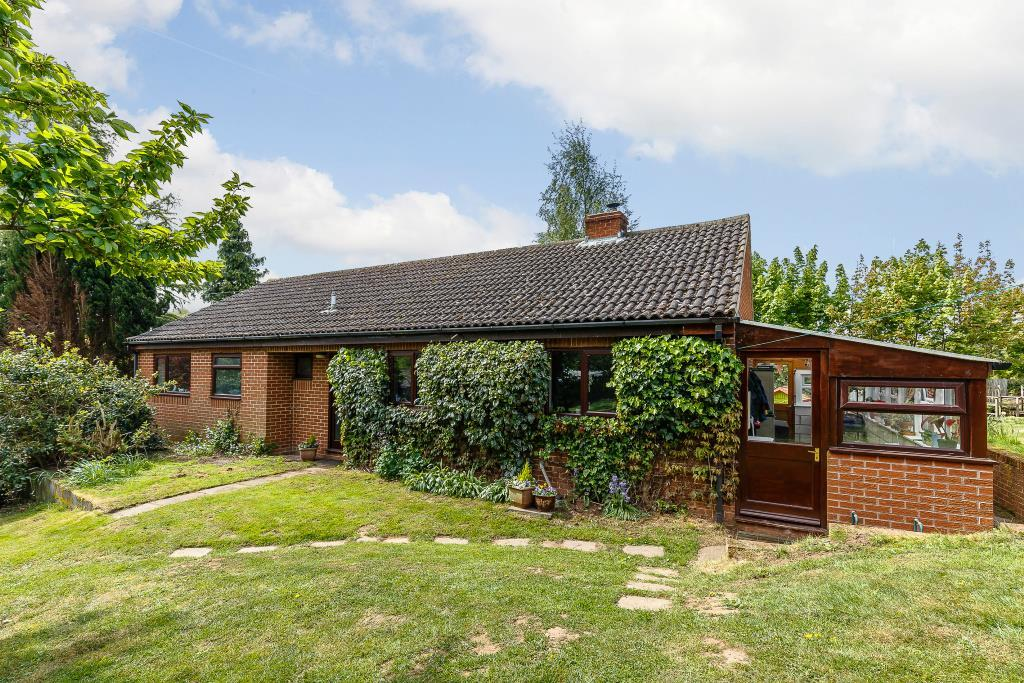 3 Bedrooms Detached Bungalow for sale in Redmarley, Gloucestershire