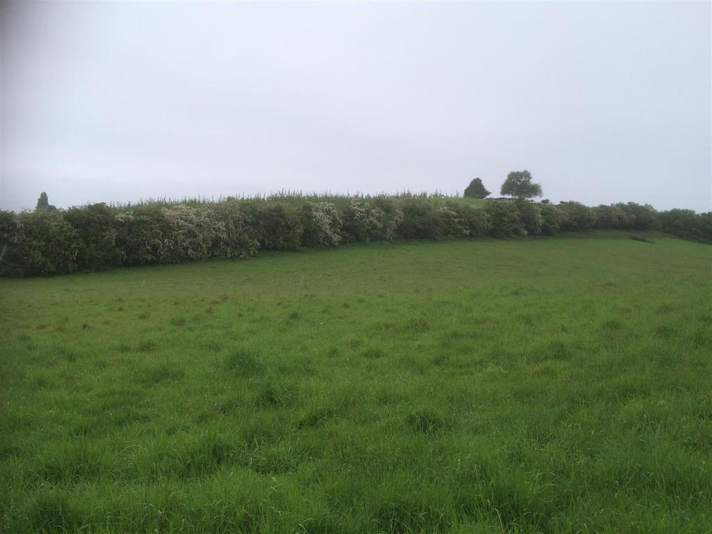 Farm Land Commercial for sale in Redmarley, Gloucestershire