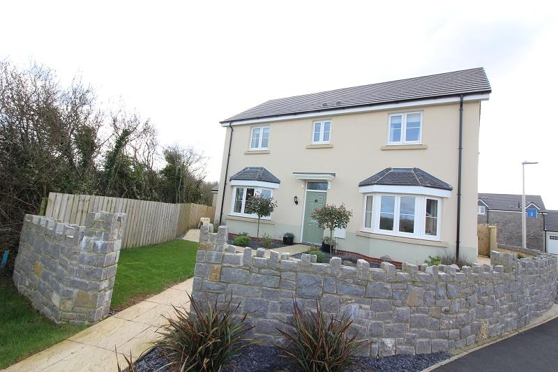 4 Bedrooms Detached House for sale in Honeyhill Grove, Lamphey, Pembroke, Pembrokeshire. SA71 5NA