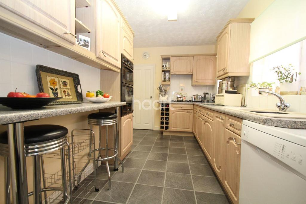 3 Bedrooms End Of Terrace House for sale in Rasen Lane, Lincoln, LN1