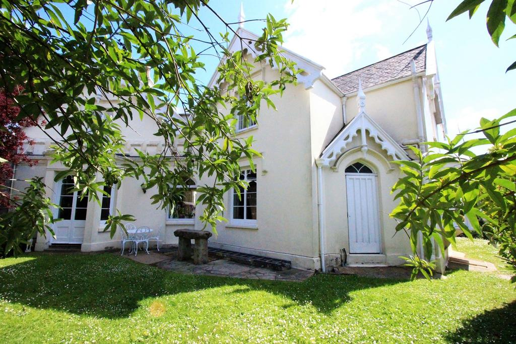 4 Bedrooms Town House for sale in St Saviours Rd, St Saviour, Jersey, JE2