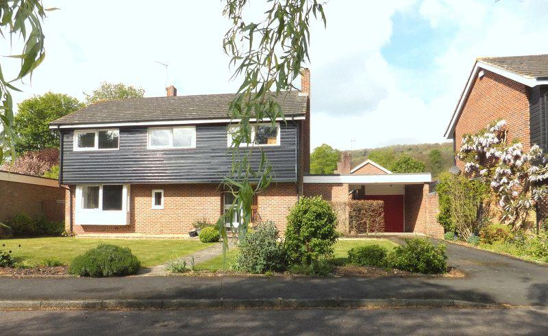 4 Bedrooms Detached House for sale in Boakes Meadow, Sevenoaks