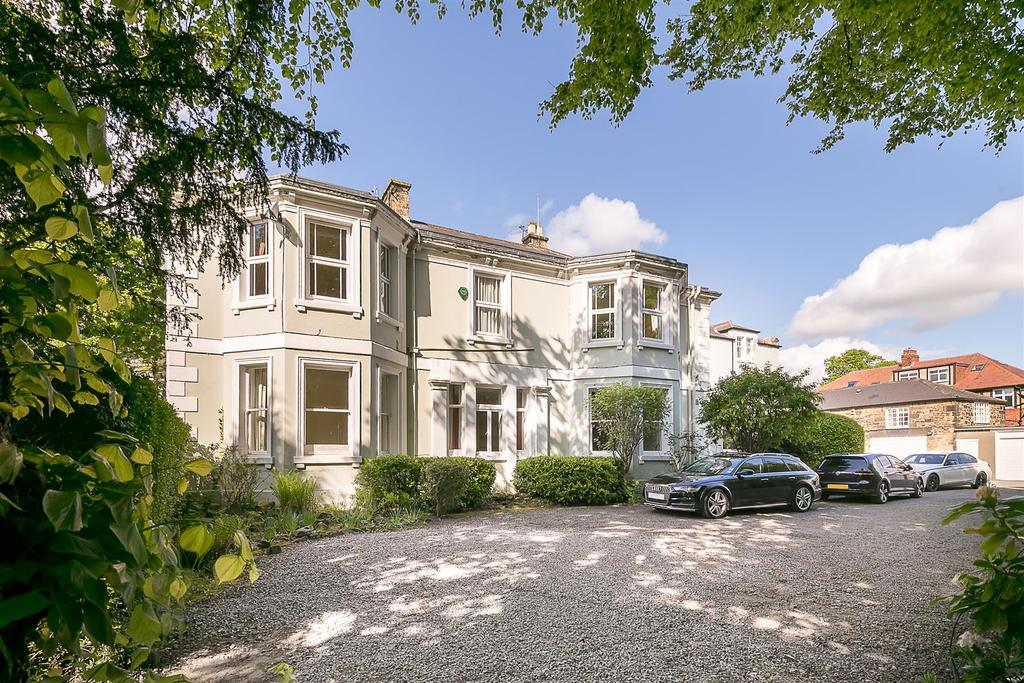 3 Bedrooms Flat for sale in Elmfield Road, Gosforth, Newcastle upon Tyne