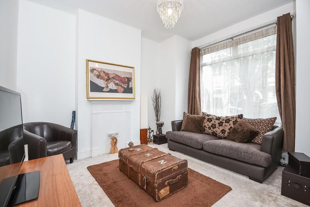 2 Bedrooms Flat for sale in Aylmer Road, Shepherds Bush