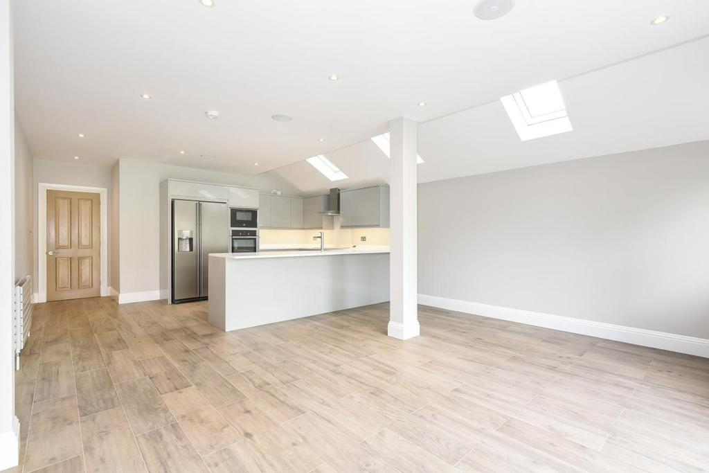 2 Bedrooms Flat for sale in Denman Road, Peckham, SE15