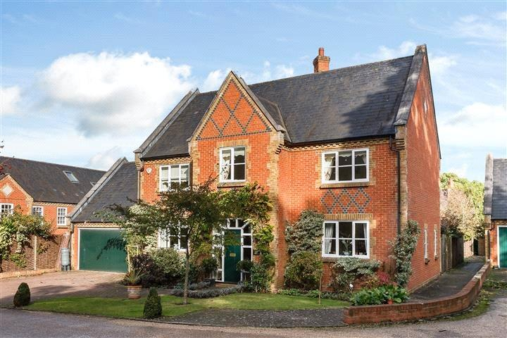 4 Bedrooms Detached House for sale in Bears Rails Park, Windsor, Berkshire, SL4
