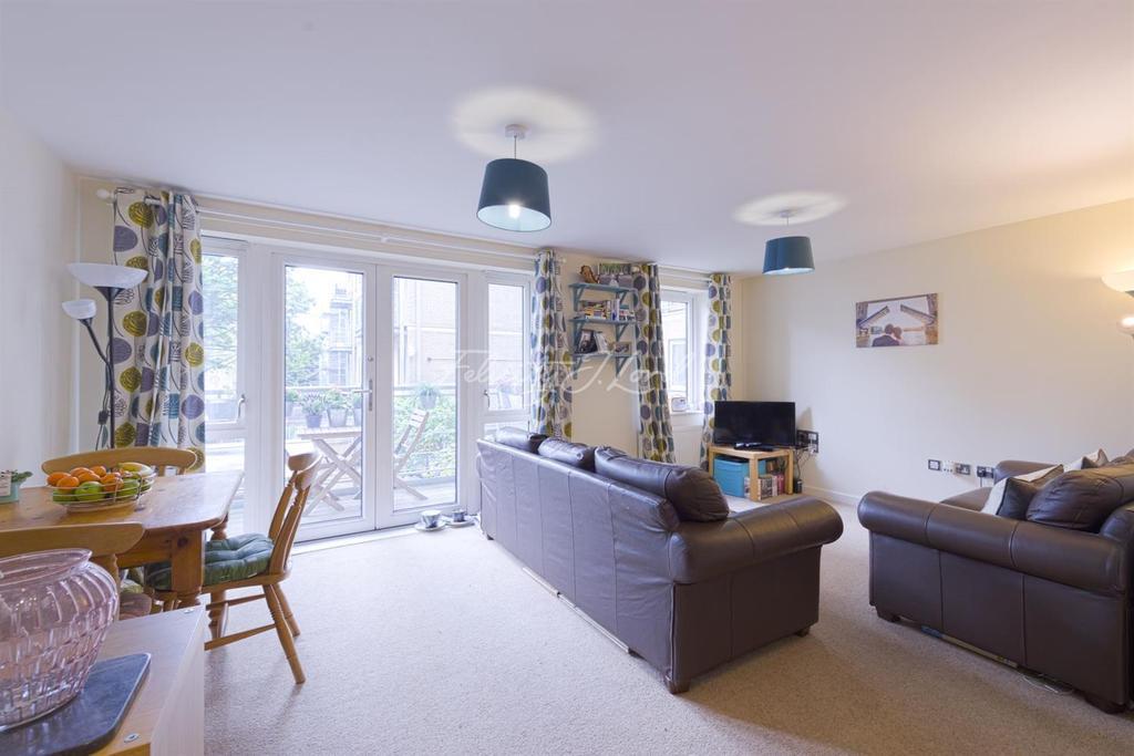 1 Bedroom Flat for sale in Seven Sisters Road, Finsbury Park, N4