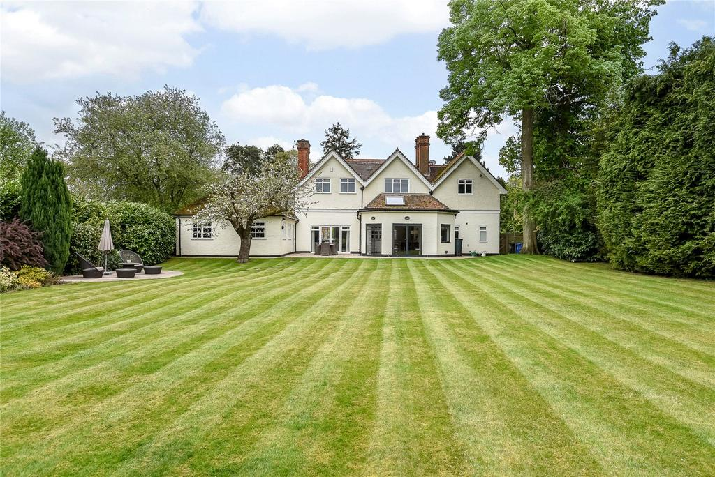 5 Bedrooms Detached House for sale in Woodcote Place, Ascot, Berkshire