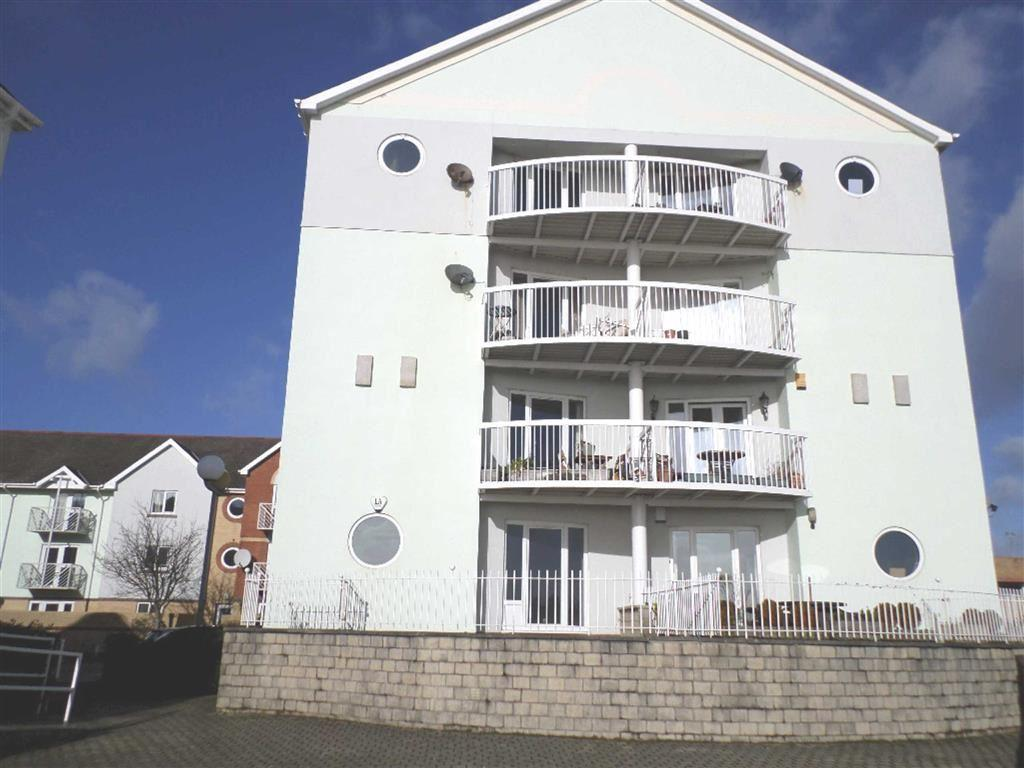 3 Bedrooms Apartment Flat for sale in Nautilus House, Marina, Swansea
