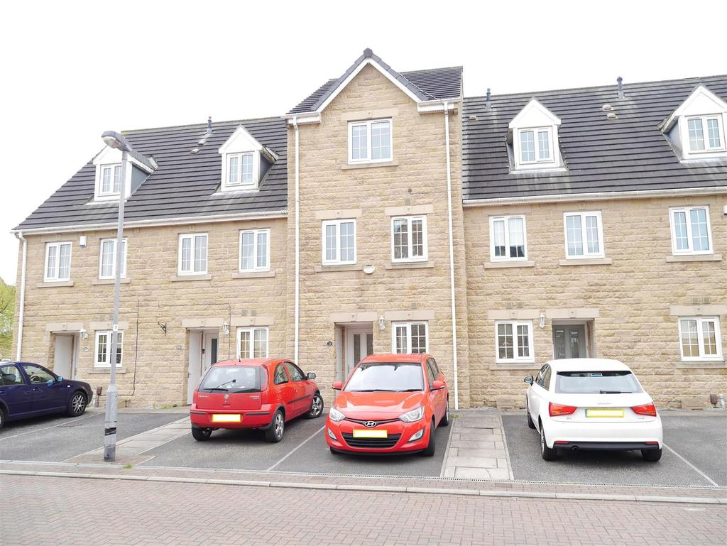 4 Bedrooms Town House for sale in Loxley Close, Bradford