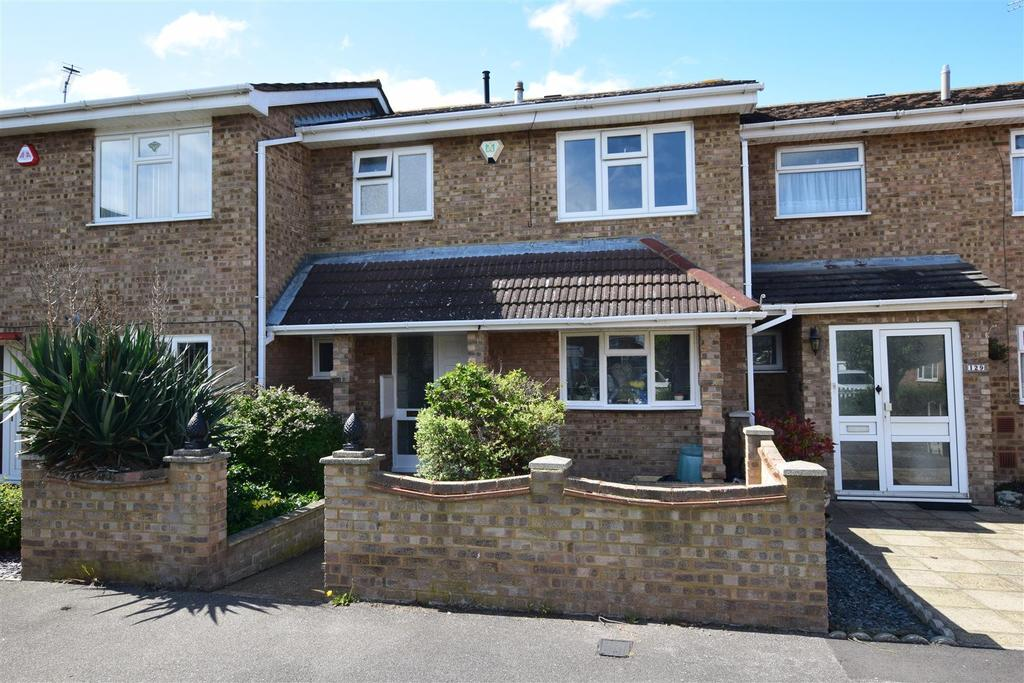 3 Bedrooms Terraced House for sale in Harvest Road, Canvey Island