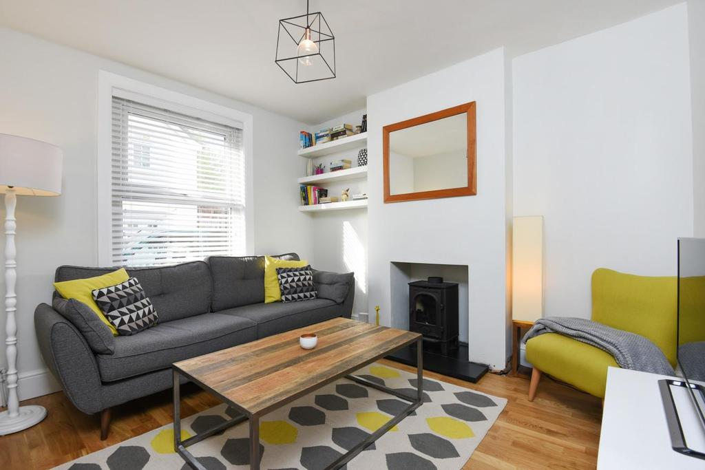 2 Bedrooms Terraced House for sale in Victoria Road, Chislehurst, BR7