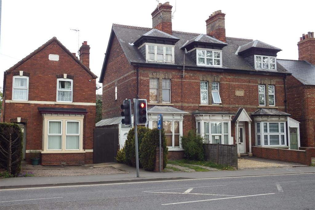 3 Bedrooms End Of Terrace House for sale in Kings Road, Spalding
