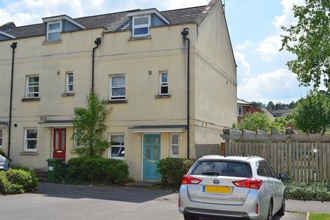 4 bedroom property to rent - ** First months rent half price**
