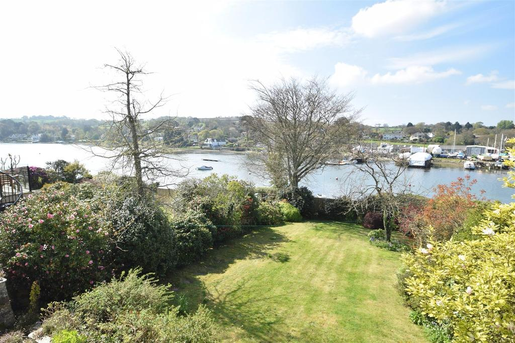 3 Bedrooms Detached House for sale in Trevellan Road, Mylor Bridge